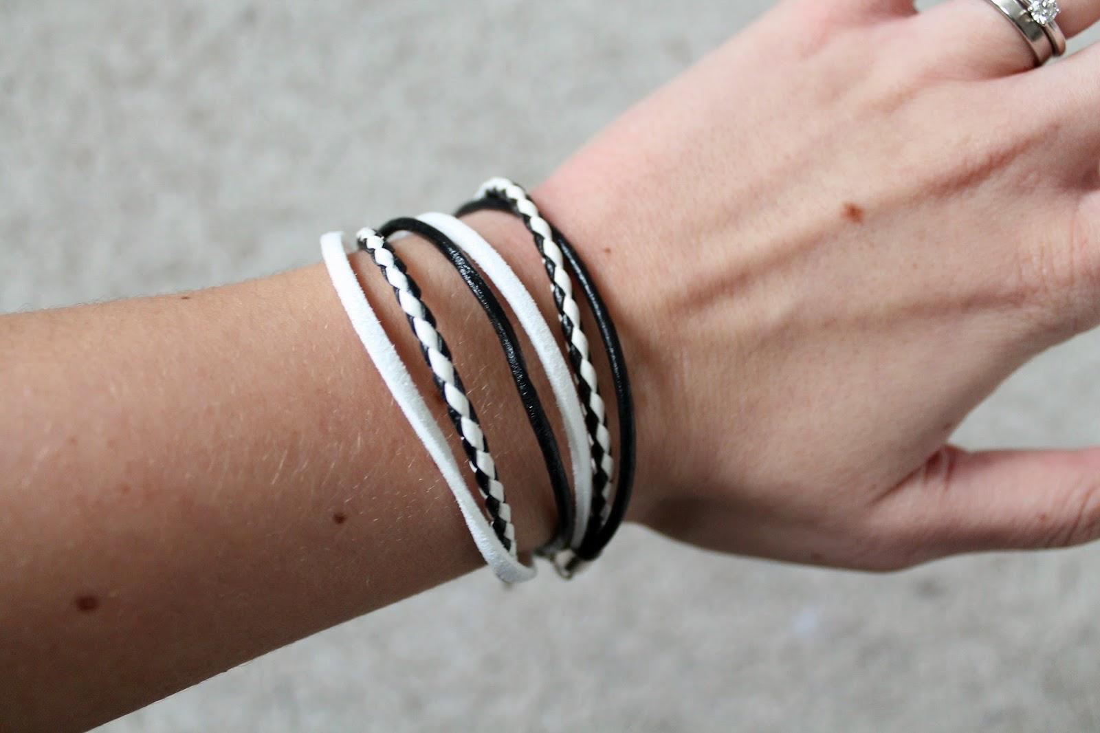 http://de.dawanda.com/product/66552679-Wickelarmband-Black-White